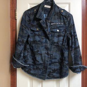 Elan size medium navy camp cargo jacket :)